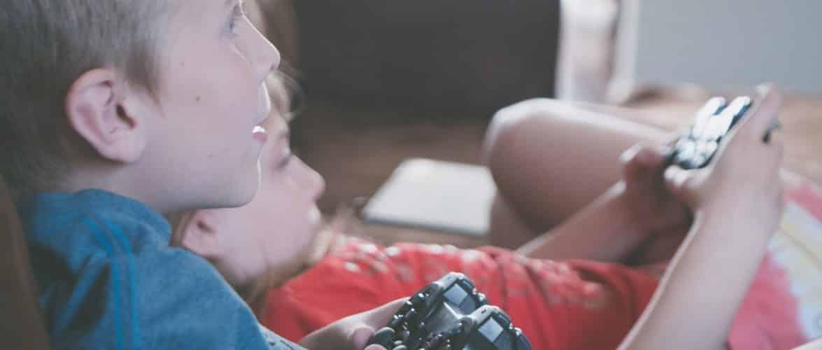 Har dit barn fundet en interesse for gaming? Giv barnet en god start