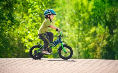 Barnets første cykel – sådan køber du den rigtige