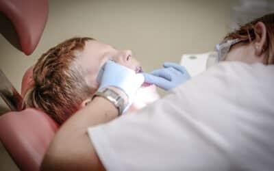 Hvordan undgår man tandskræk hos sit barn? – Besøg en billig tandlæge i Kolding, for vejledning