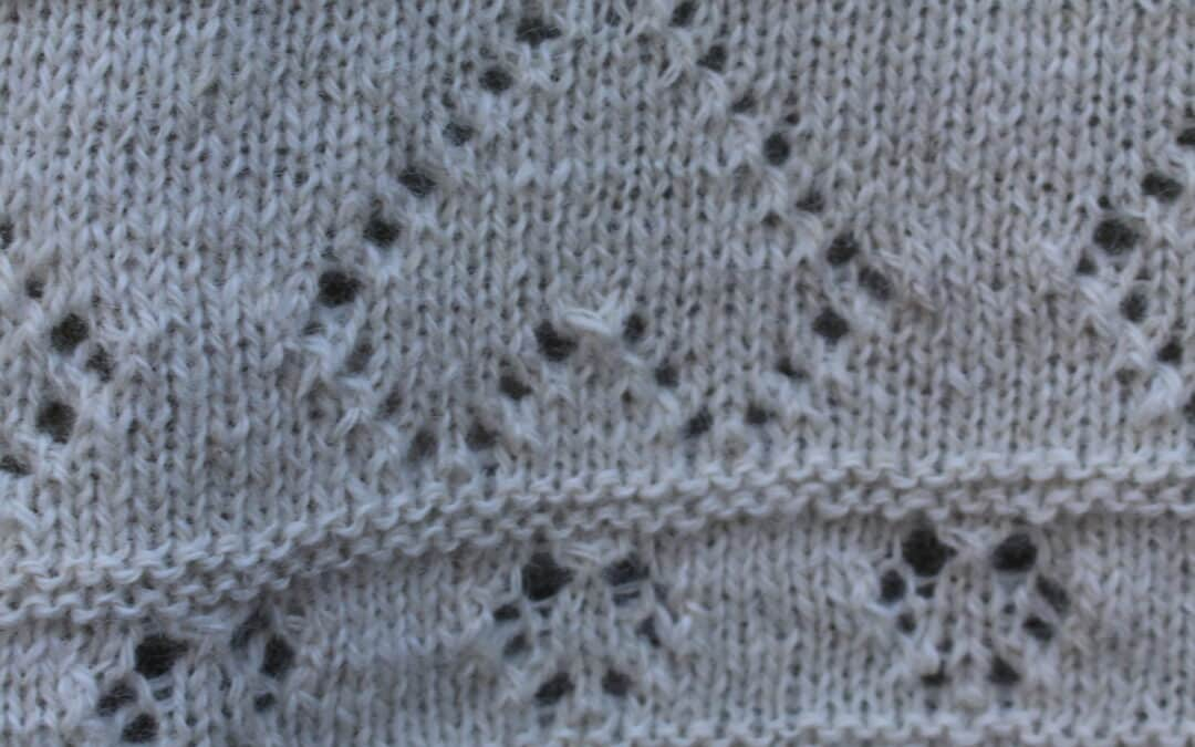 Sådan laver du et strikket babytæppe med hjerter i Alpaca‐uld