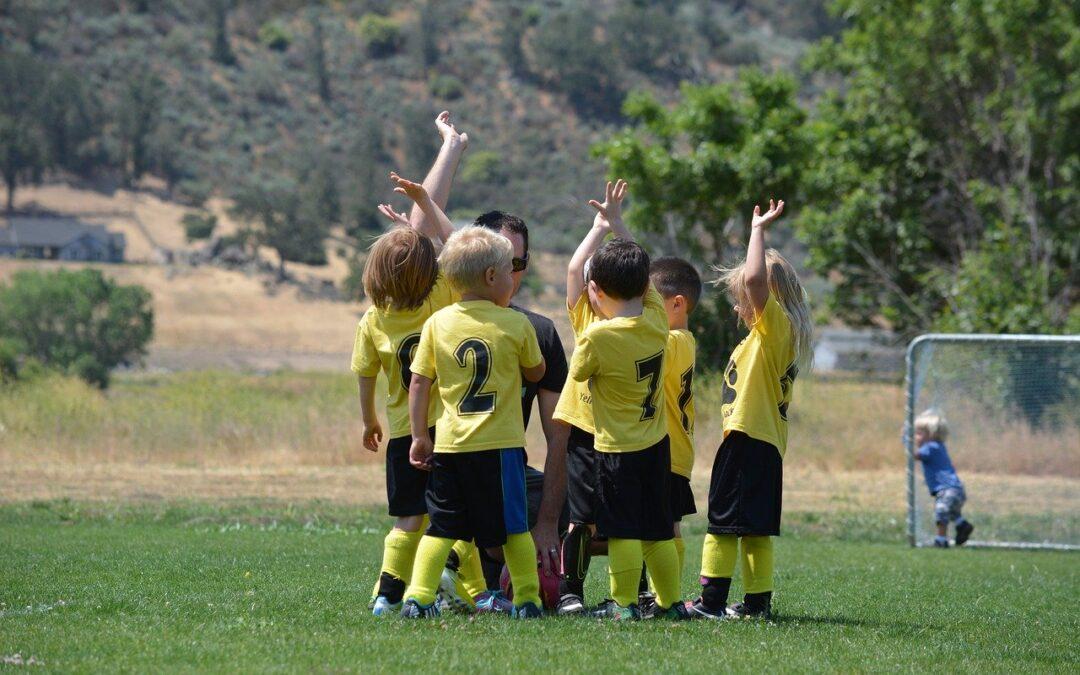 Følg med i fodbold sammen med dit barn